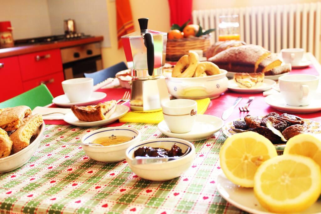 colazione preparata in casa