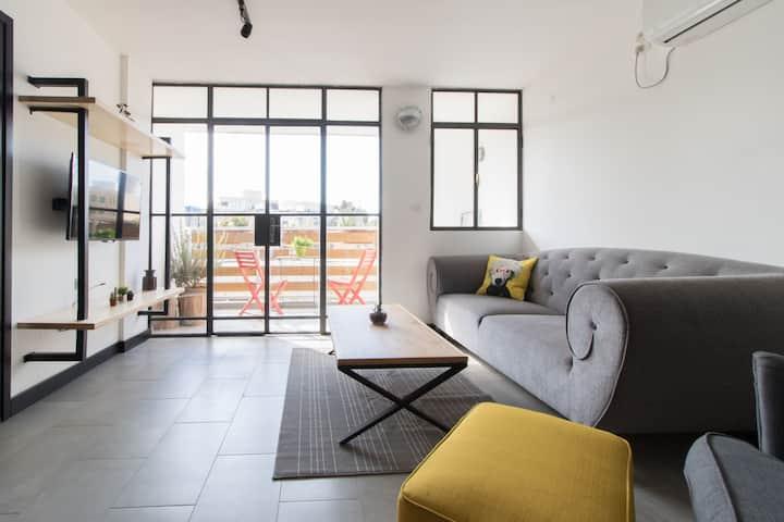 Golda (#3) spacious city center 2BDR apartment