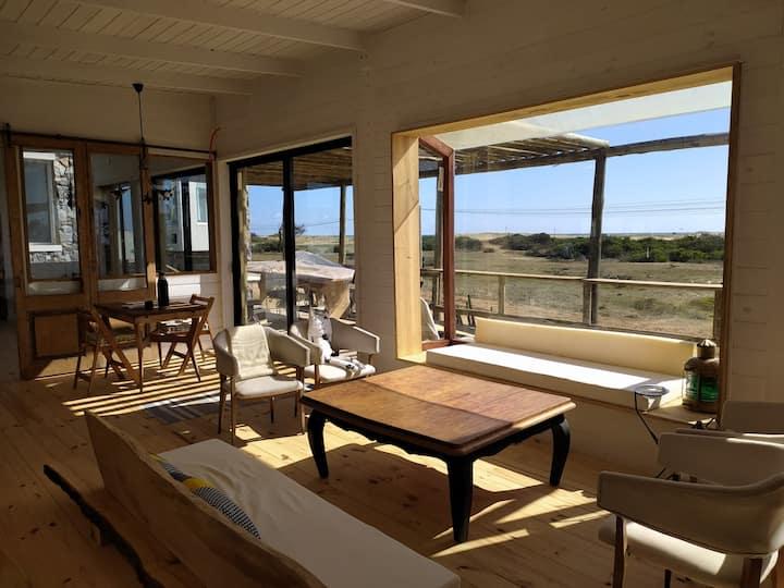 """Espectacular Casa frente a laguna """"Rancho de Mar"""""""