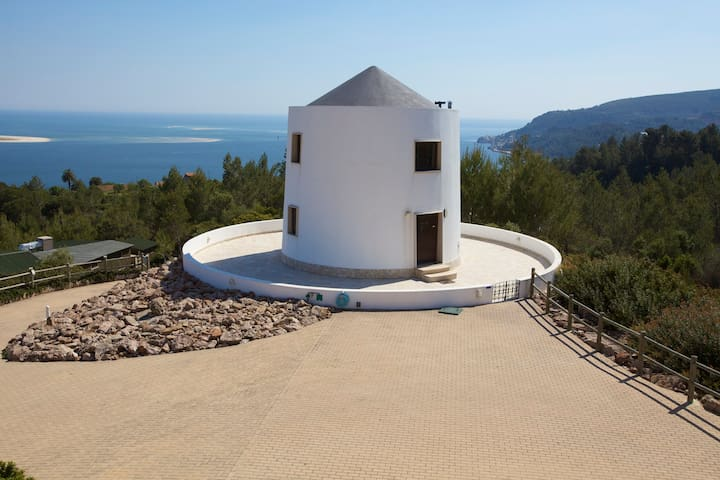Cozy windmill with stunning views - Setúbal - Bed & Breakfast
