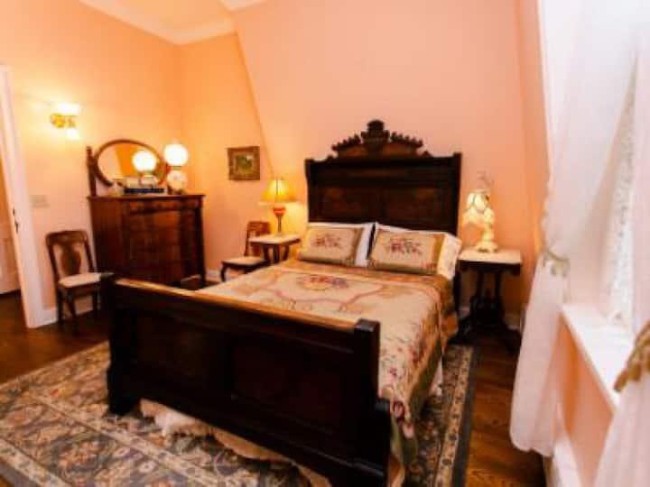 Double room-Ensuite-Premium-Garden View-The Elizabeth Room