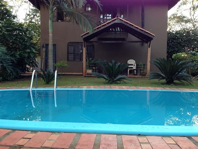 Beautiful house with pool for 11 p - Foz do Iguaçu - Haus