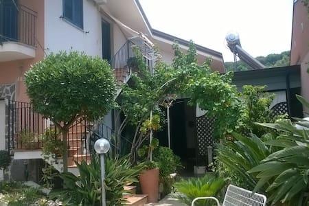 affittasi villa a due passi dalla spiaggia - Palmi