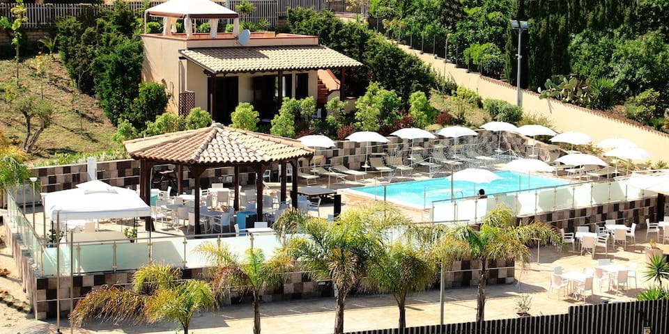 Le Garden Villa - Valle dei Templi - Agrigento - Villaggio Mosè - Bed & Breakfast