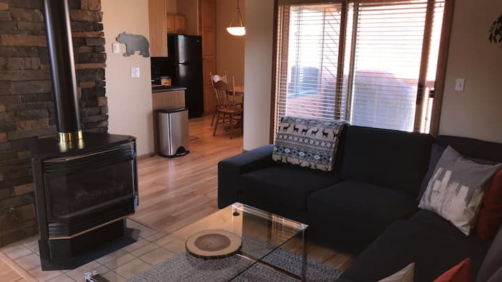 Relaxing 3BR/Den Grand Lake Condo