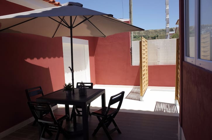 Lisbon Beach Apartments 8 wifi barbecue terrace