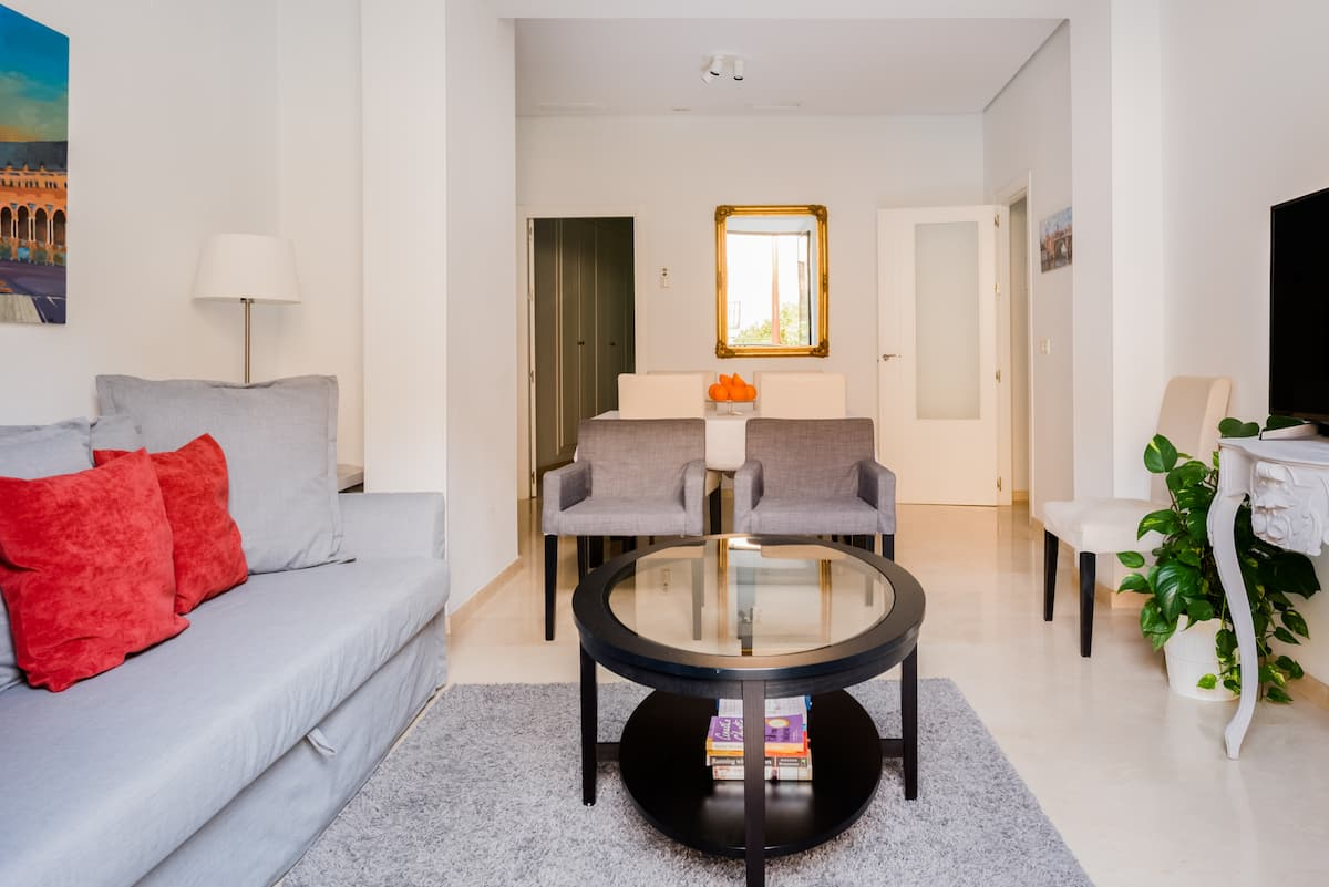 Luxury apartment in Center. Free Wi Fi.Top location & Beautifully refurbished