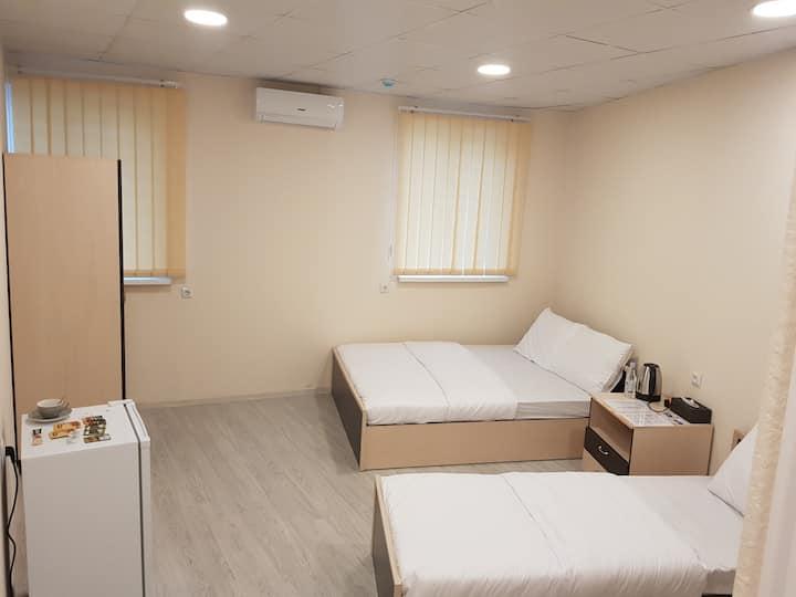 Shree Gopal Gayatri Lok Deluxe Hotel