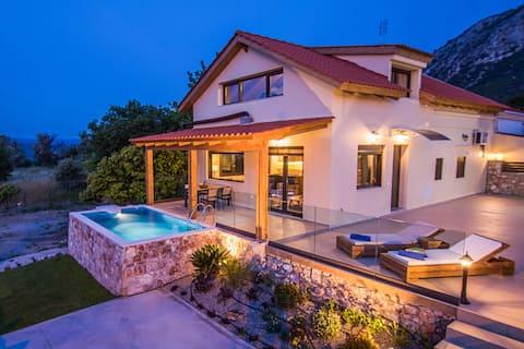 Magical Salakos Villa