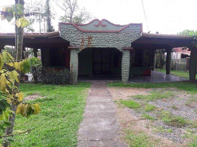 Casa acogedora - Guápiles - Talo