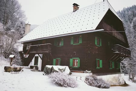 Quaint, authentic lodge in the Styrian mountains - Chalet