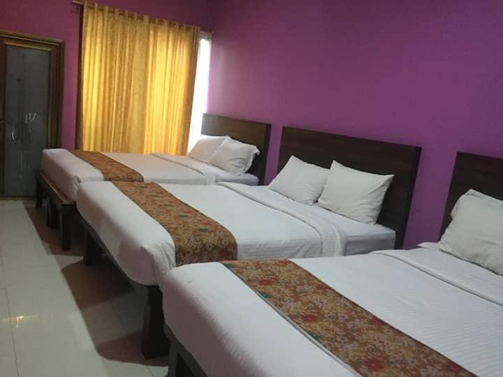 3 double bedrooms for 18pax 15 min to Seminyak