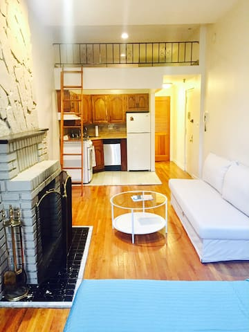 CHARMING QUIET STUDIO RIGHT OFF CENTRAL PARK WEST