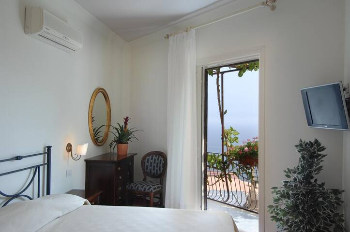 B&B Al Pesce d'Oro - Triple Room Balcony and Sea View