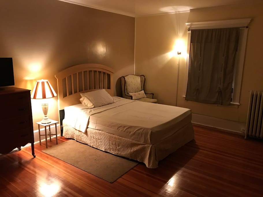 Bedroom II - Dim the lights and luxuriate in this spacious bedroom retreat w/ a memory foam topped queen sized bed.