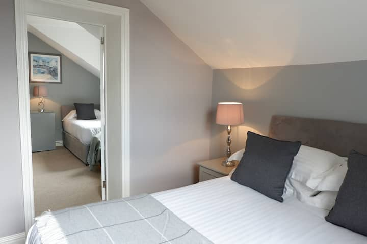 Suite Studio with kitchenette sleeps 3
