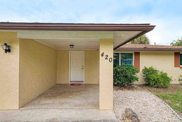 South Venice, FL. Ideal vacation home.