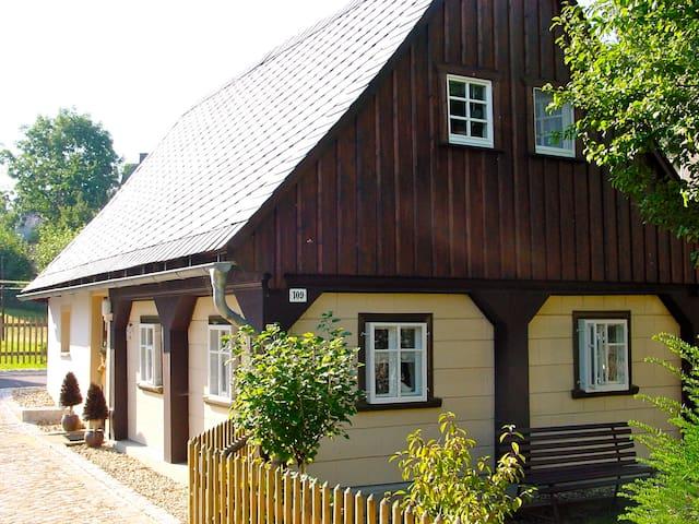 Urlaub im typischen Oberlausitzer Umgebindehaus - Bertsdorf-Hörnitz - House