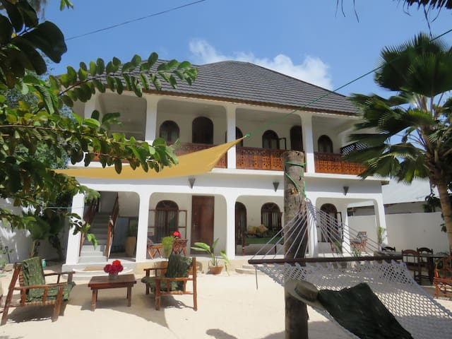 Nungwi Retreat - Up to 12 guests - close to beach