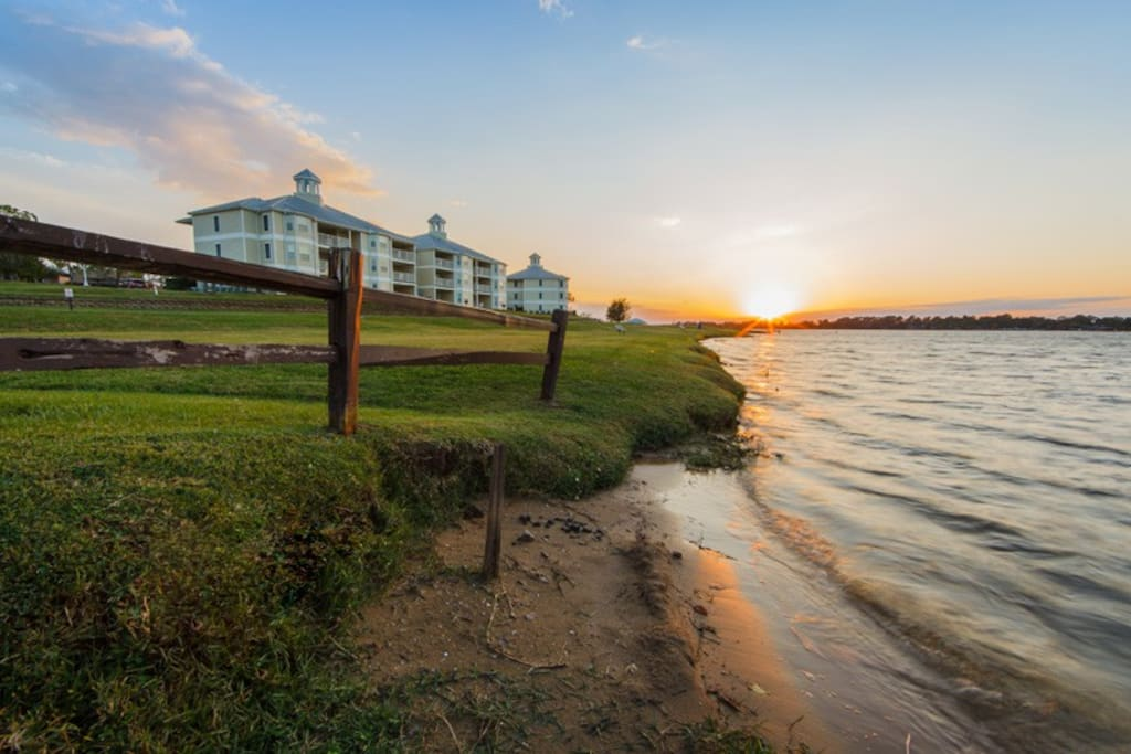 Holiday inn vacation club piney shores 2 bdrm condos for Piney shores resort cabine