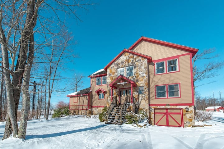 Ski In/Ski Out Home w/Private Indoor Pool, Hot Tub, & Summer State Park Access!