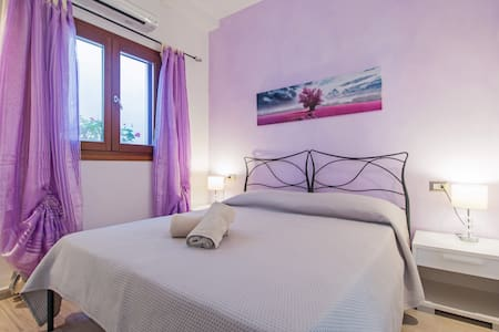 Residenza l'Orchidea - camera lilla - Budoni - Bed & Breakfast