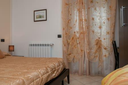 B&B vicino Assisi - Camera tripla - Bastia Umbra - Bed & Breakfast