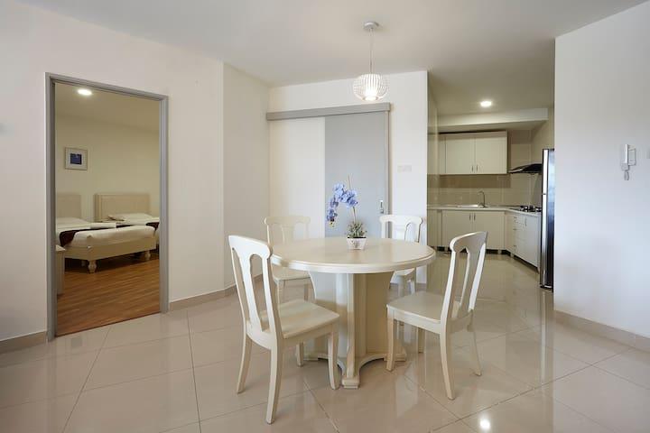 KLIA & KLIA2 &F1(1 King&1TwinD5)@Sri Beverly Hills - Nilai - Apartment