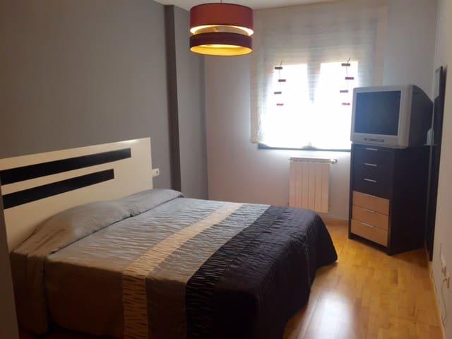 Amplia y acogedora habitación Soria - Soria - Apartemen