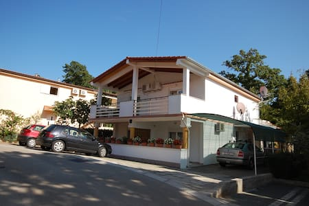 Nice apartment PODOLSKI Njivice - Njivice