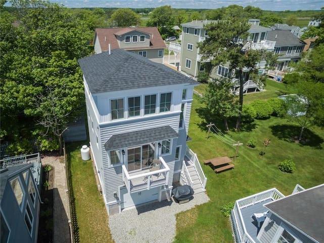 Moody Beach Guest House - Ocean Views!