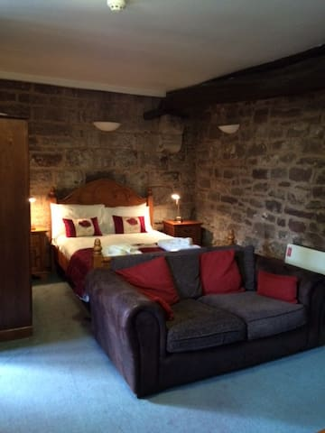 The Courtyard Apartment at Flanesford Priory - Goodrich - Appartement
