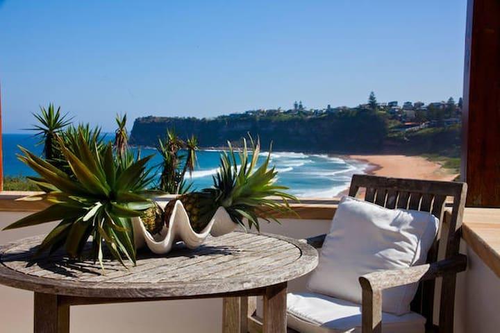 Bungan House - luxurious beach retreat - Newport - Talo