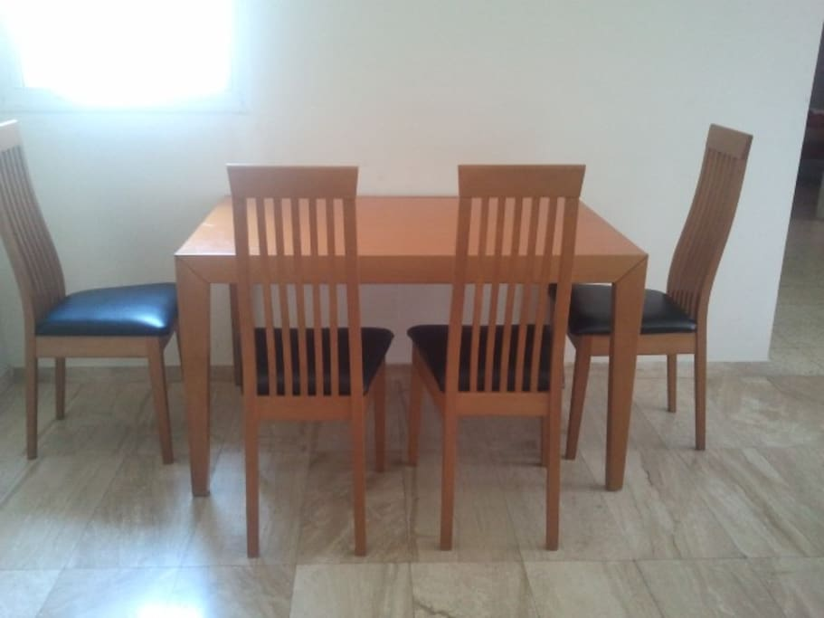 Dining table - Doubles in size while opened - Dining for up to 10-12 people