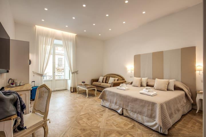 Sorrento Square Suite Capri