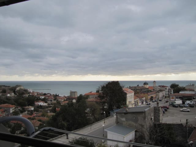 Sea view 1-bed apartment!