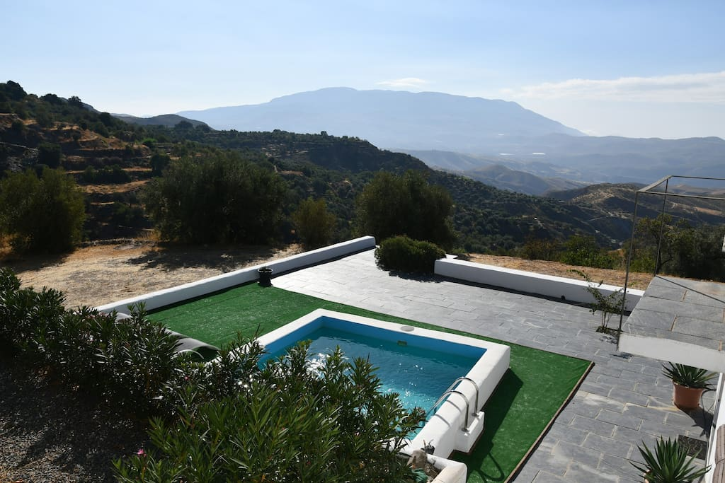 Small private pool with great terrace and spectacular views