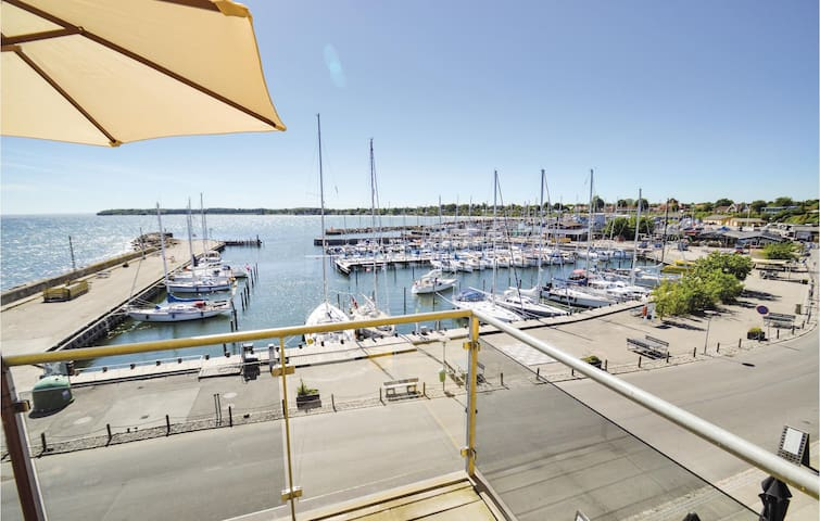 Holiday apartment with 3 bedrooms on 96m² in Rødvig Stevns