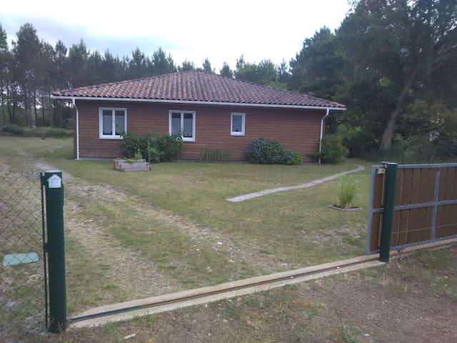 Chambres dans maison bois - Onesse-Laharie - Haus