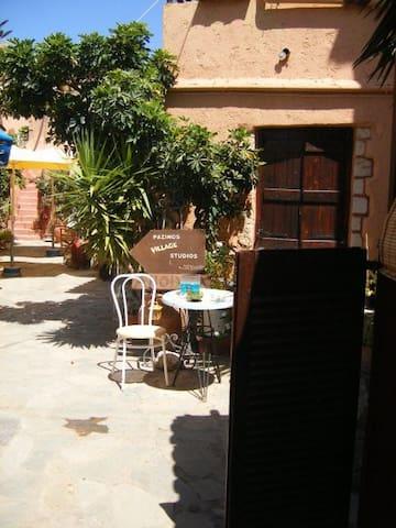 PAZINOS VILLAGE STUDIOS, - Pazinos - Apartment