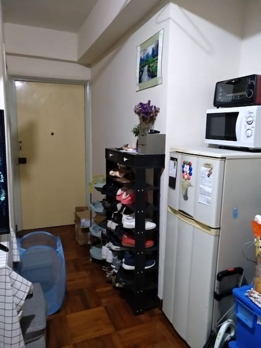 Refrigerator_microwaver_oven