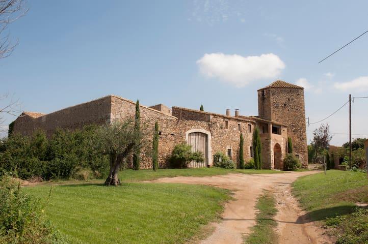 Vallgornera Castle,  (Perelada)  HUTB 013674 - Peralada - Kasteel