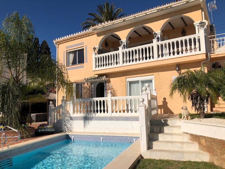 Ref: 281 - 4 Bedroom private villa in Torreblanca