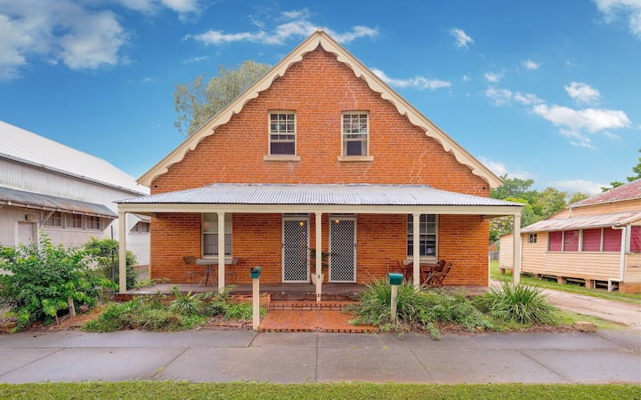 """Eliza""150 years Heritage Duplex Central Grafton"