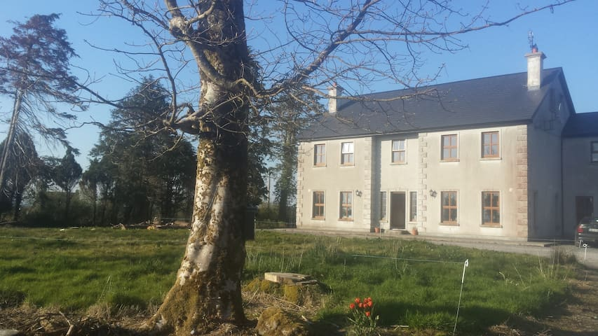 The Farm House  B+B - Claremorris - Bed & Breakfast