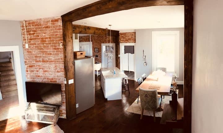 Full remodeled historic Saratoga home!!