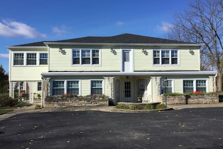 Close to airport and downtown Indy - Mooresville - Appartement