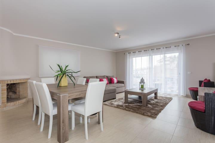Wonderful Vilamoura center flat, 130m2