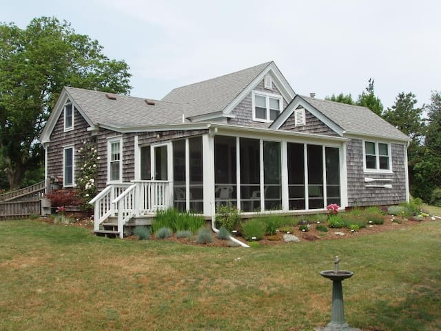 Charming seaside cottage ocean view - Eastham