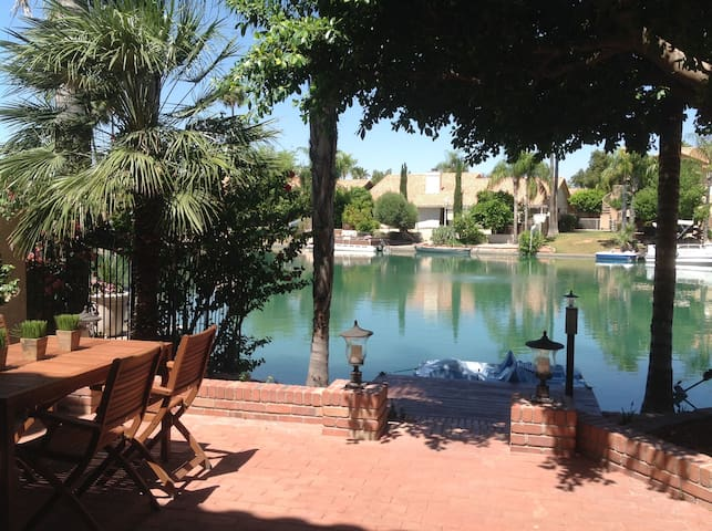 On the Lake Townhouse - Gilbert - Casa